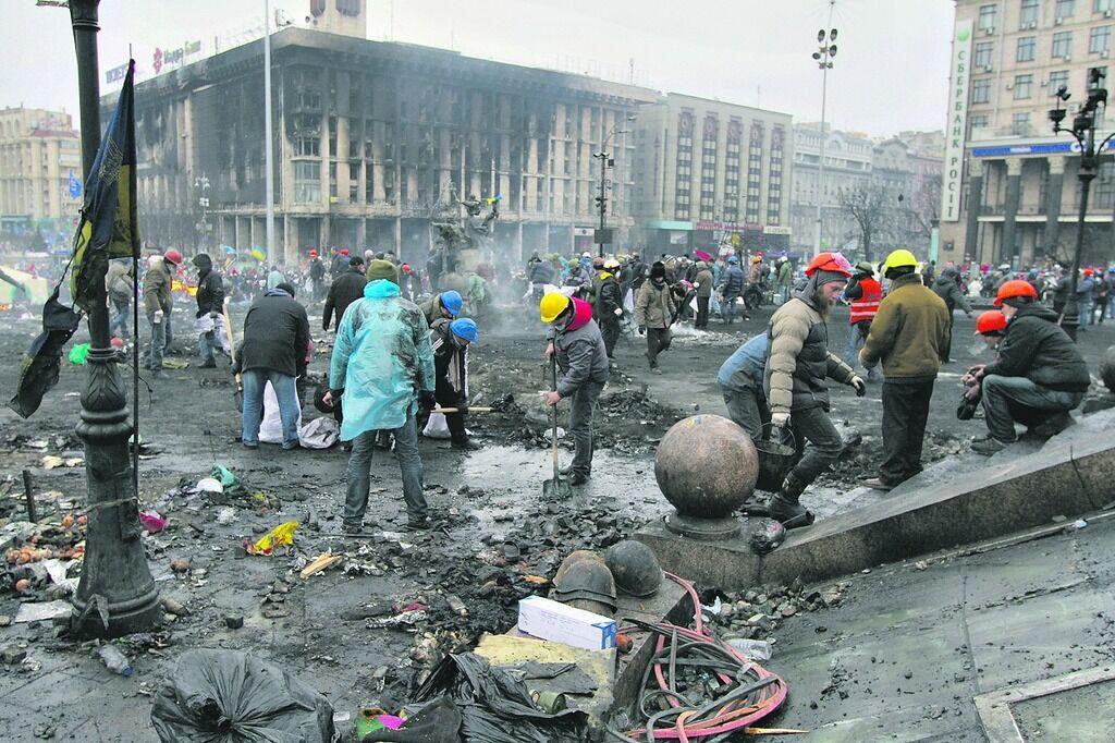 Майдан: что творила титушня в Мариинском парке