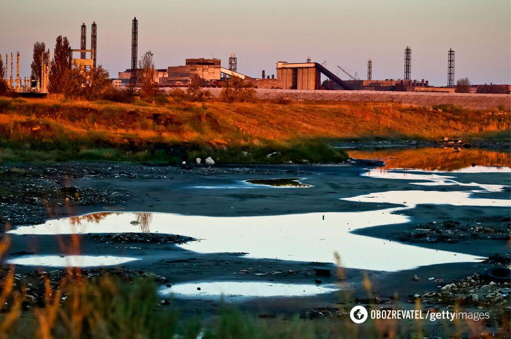Люди покидают дома, вода отравлена. В Крым пришла новая беда