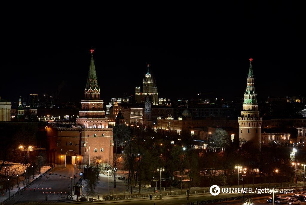 """В Кремле сейчас """"жрут, кого могут"""""""