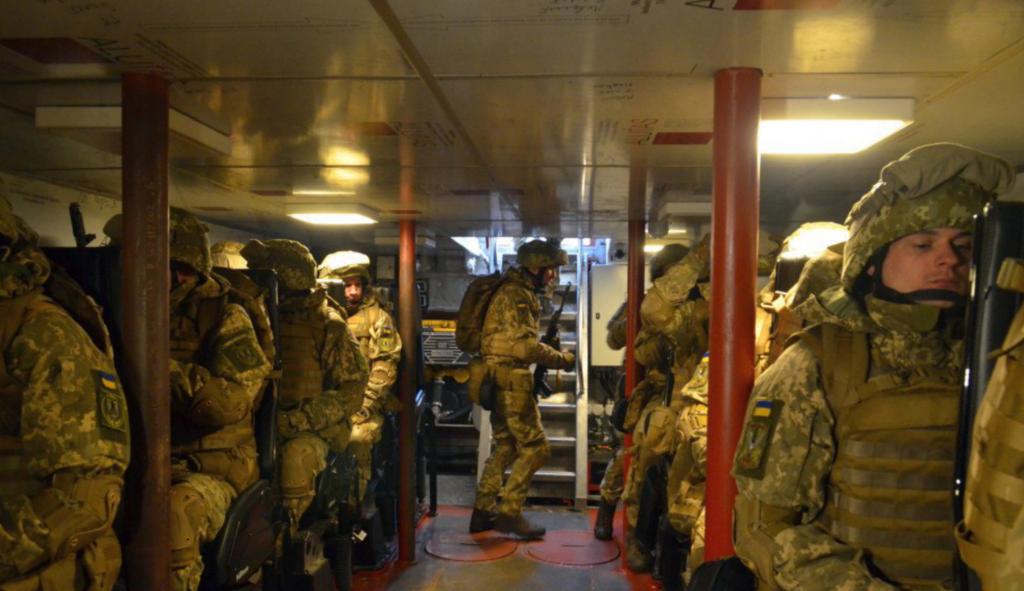 В РФ заявили о походе кораблей Украины к Керченскому проливу