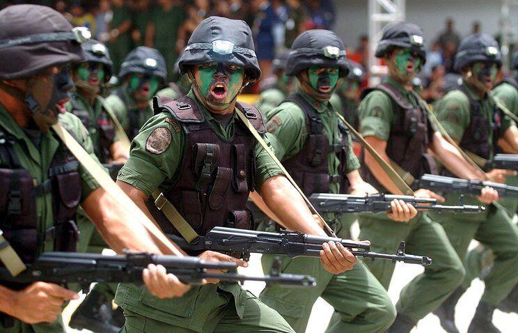Венесуэла разворачивает войска: на кого нацелились