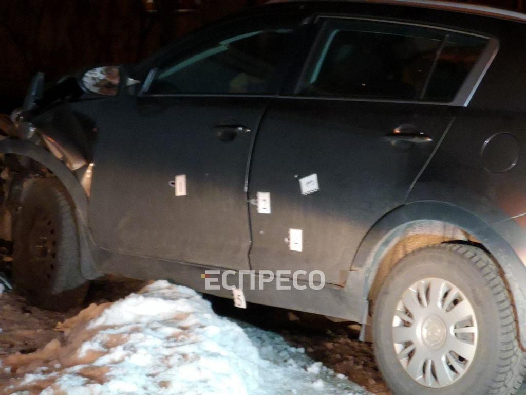 В Киеве полиция со стрельбой задержала машину