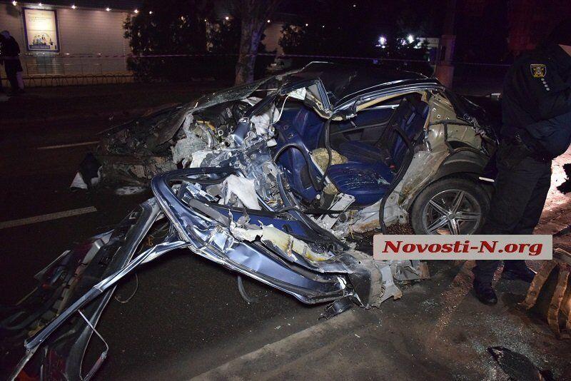 В Николаеве произошло смертельное ДТП с военными. Кадры 18+