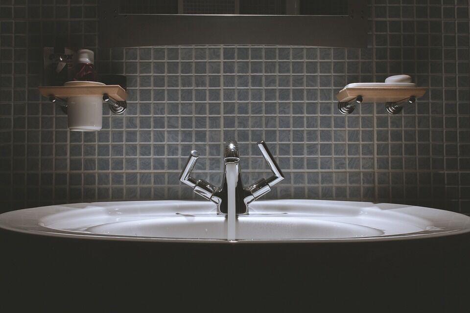 Тариф снова взлетит: сколько украинцы заплатят за душ и ванну