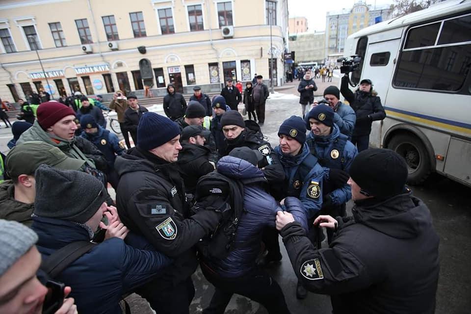 Глава Нацполиции раскрыл подробности побоища в Киеве