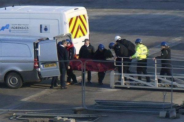 Евакуація тіла футболіста