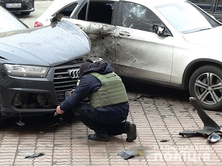 У Києві вибухнуло авто