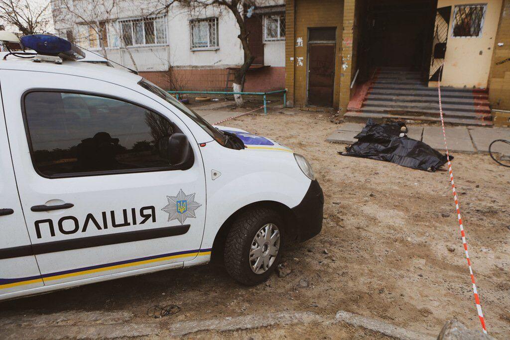 У Києві хлопець випав із вікна