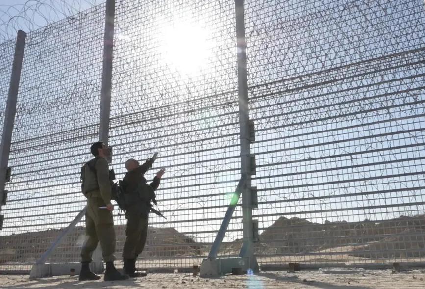Ізраїль вирішив відгородитися ''розумним'' парканом