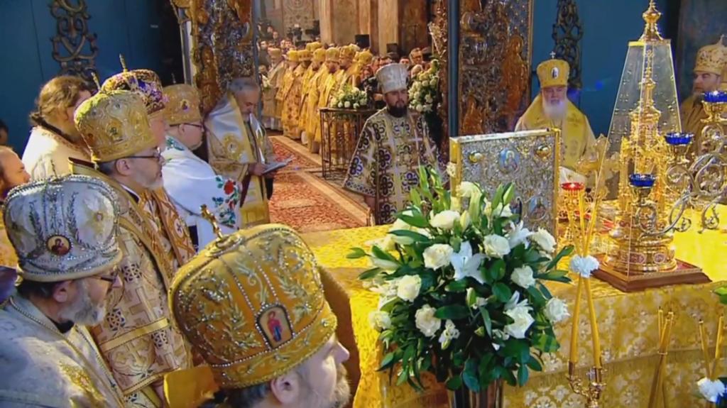 ''С нами правда!'' Украинцы ликуют из-за интронизации Епифания