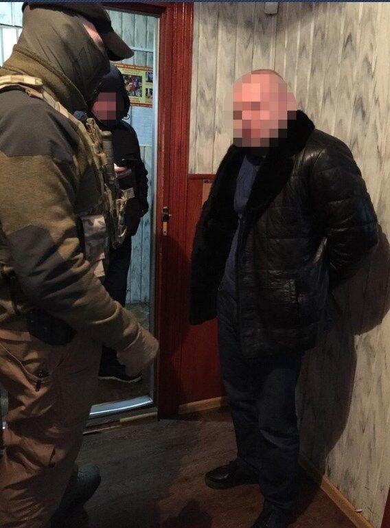 Поліцейського затримали на хабарі в Києві