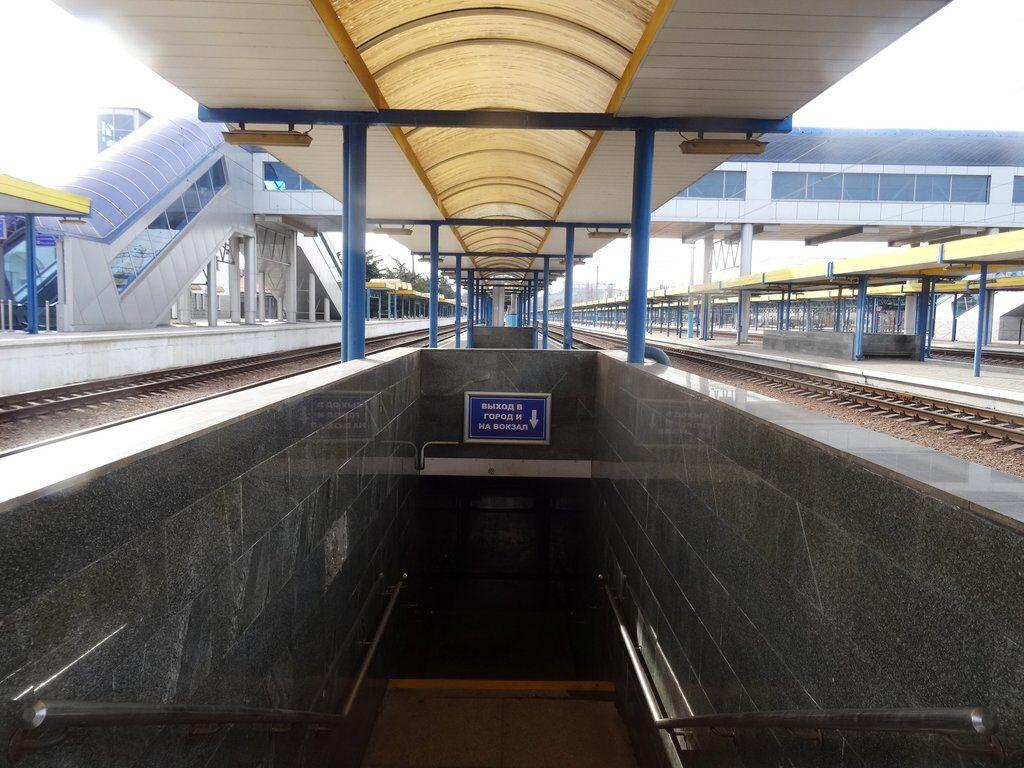 Ж/Д вокзал Симферополя: ощущение, что попала в похоронное бюро. Фото