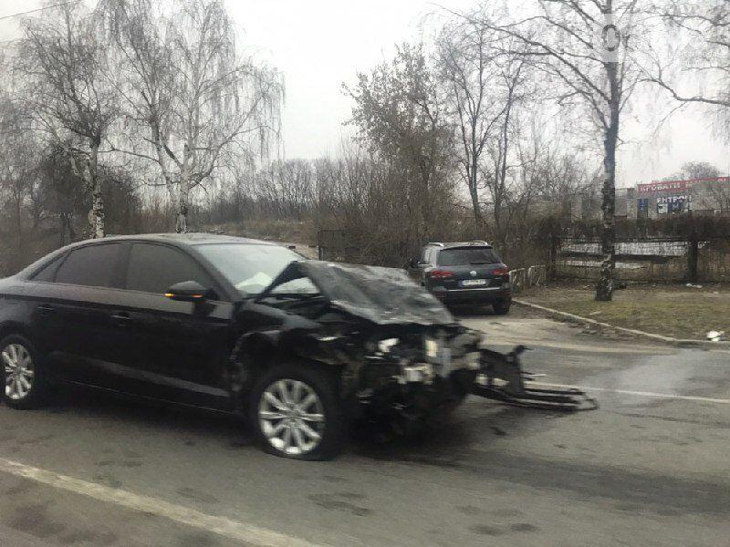 В Запорожье 2 человека пострадали в столкновении Audi и ВАЗа