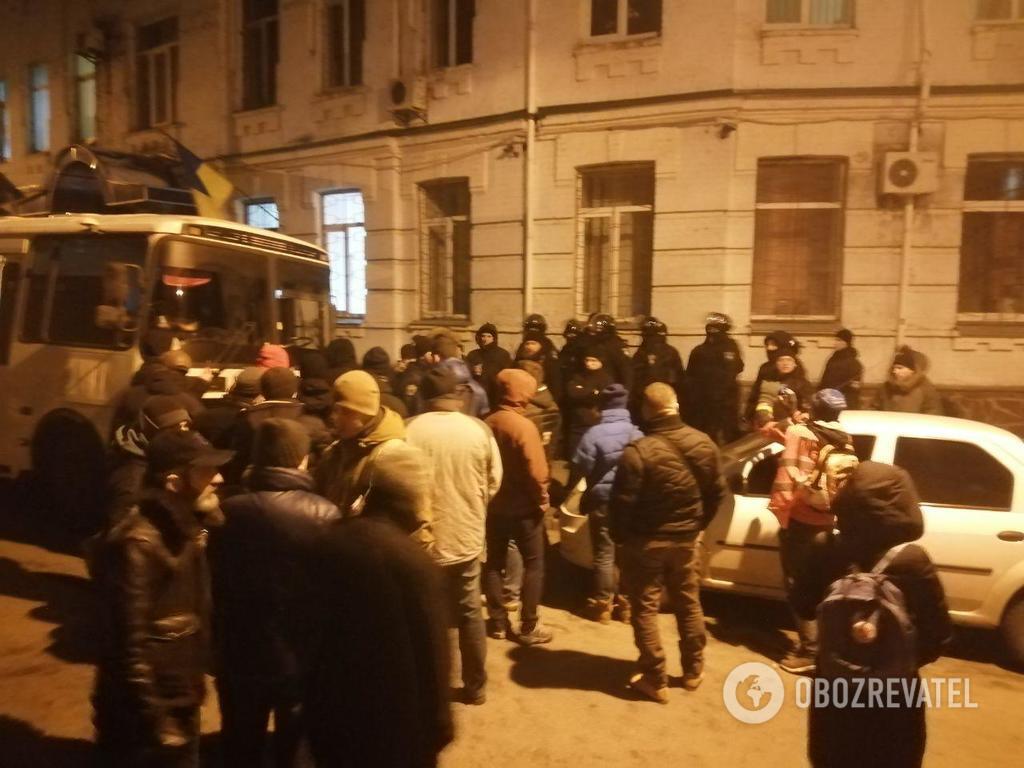 В Киеве возле участка полиции произошла новая потасовка