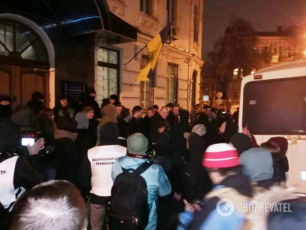 Жесткие стычки в Киеве: полиция пошла на неожиданный шаг