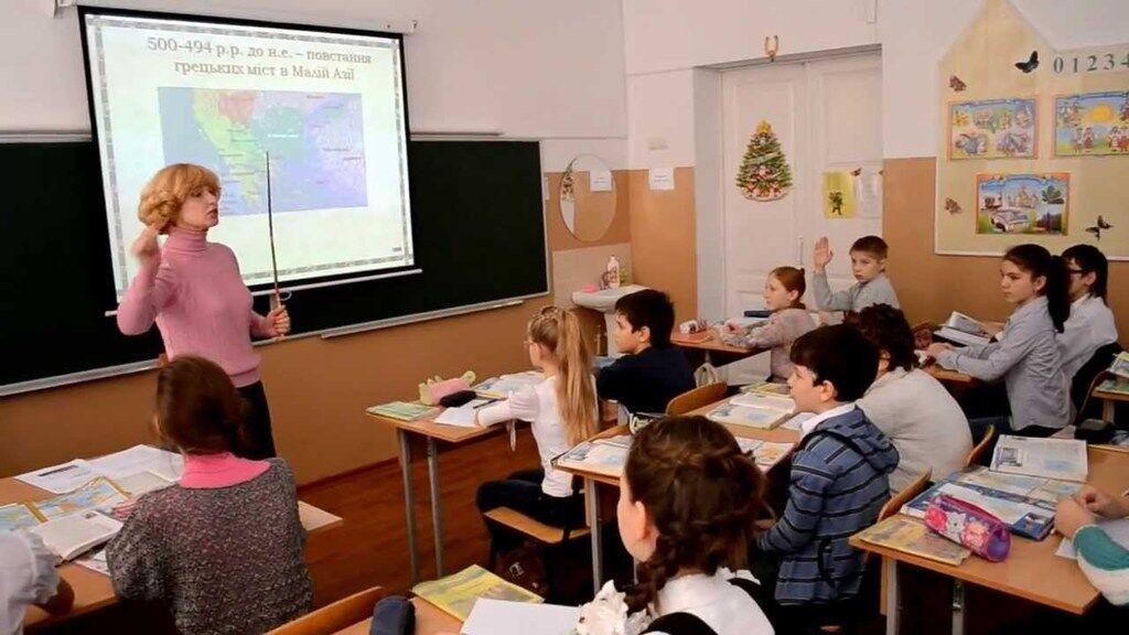 Украинские учителя становятся жертвами травли