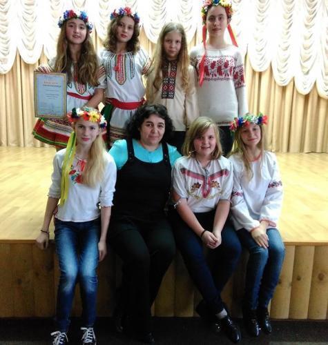 Наталья Мамренко с учениками