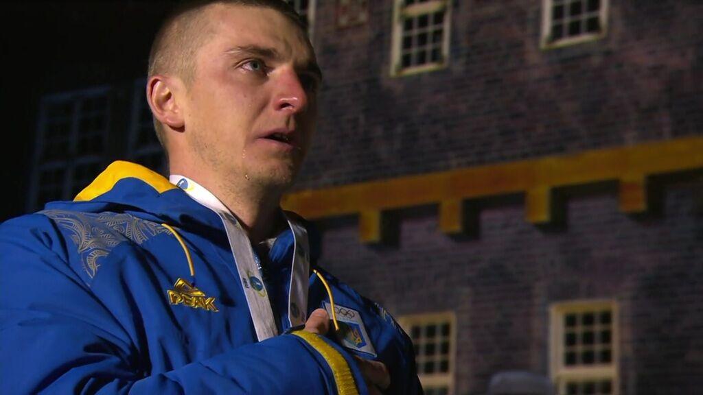 Відео дня! Підручний розплакався під гімн України