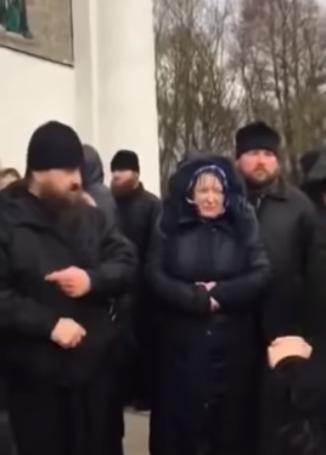 Священники РПЦ устроили потасовку под храмом