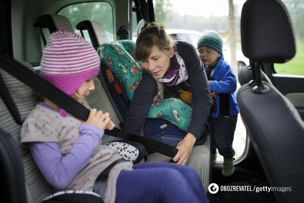 Діти в авто