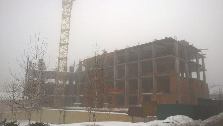 За месяц строители успели залить часть перекрытия между этажами. Фото сделано 30 января 2019 года