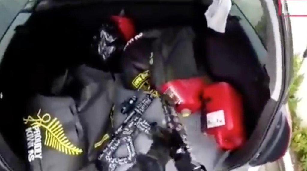 Поліцейські перехопили автомобіль із вибухівкою