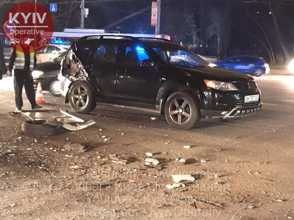 160 км/ч на красный: в Киеве произошло масштабное ДТП