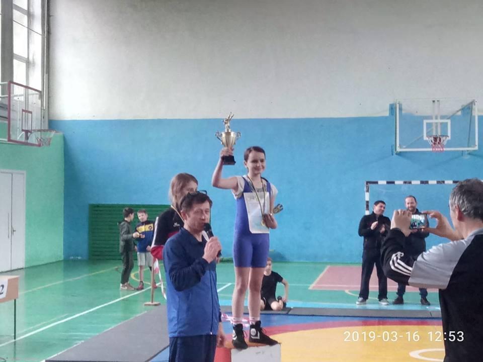 Українська школярка повернула 150 тисяч гривень