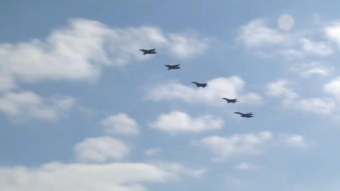 Україна підняла бойові літаки над Азовським морем