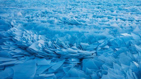 """В США озеро """"разбилось"""" вдребезги: невероятные снимки"""