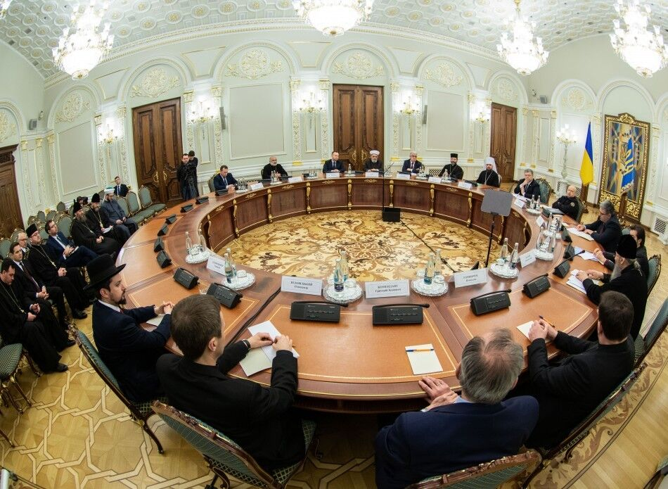 Петро Порошенко на зустрічі з представниками церков