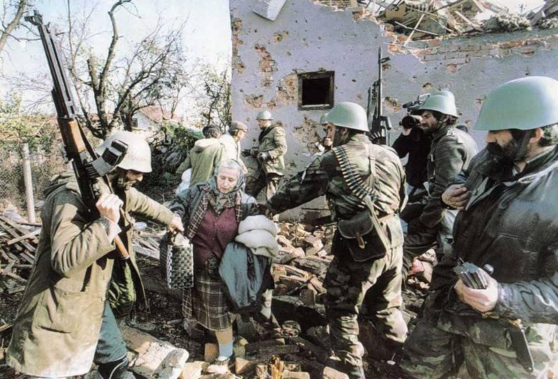 крупногабаритные военные фото в югославии только сейчас выпустили