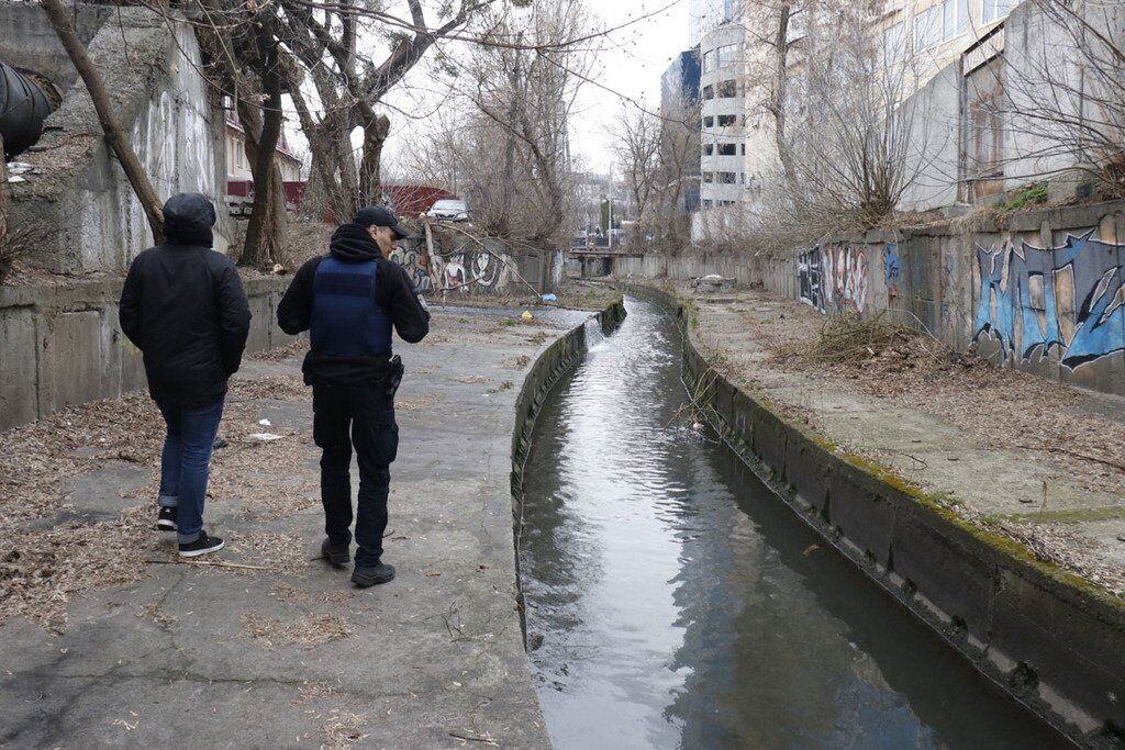 В реке нашли труп мужчины