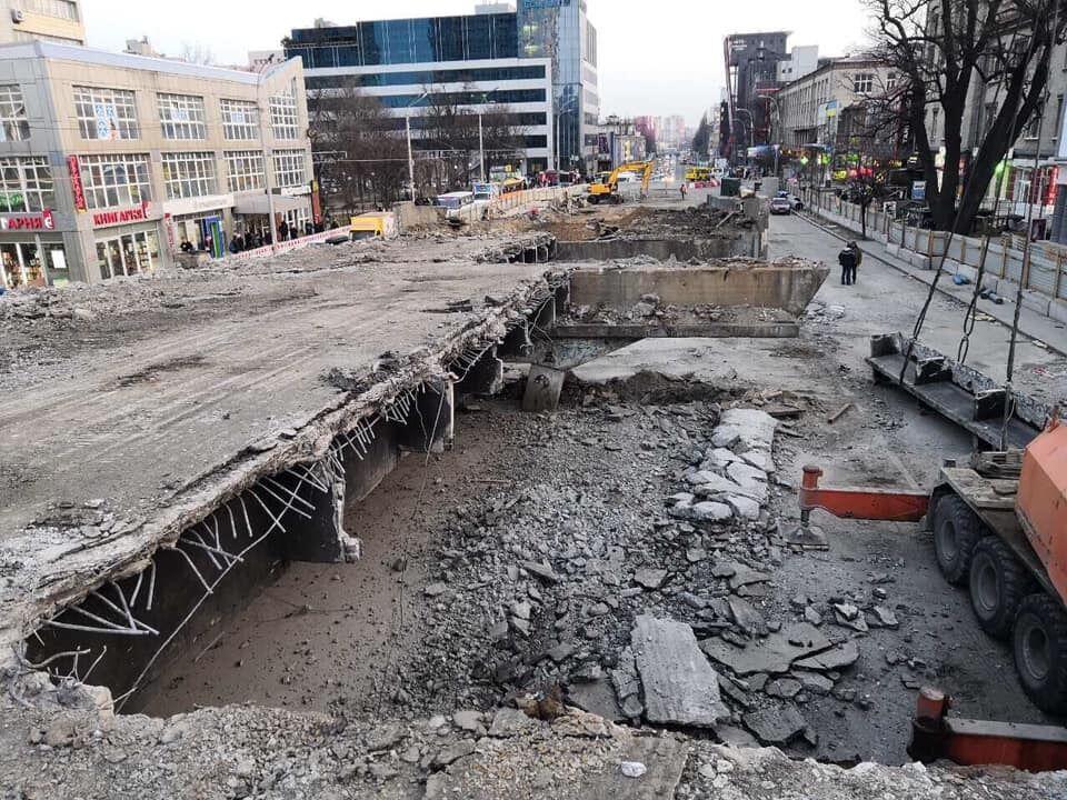 Шулявський міст: у мережі показали, як проходить будівництво