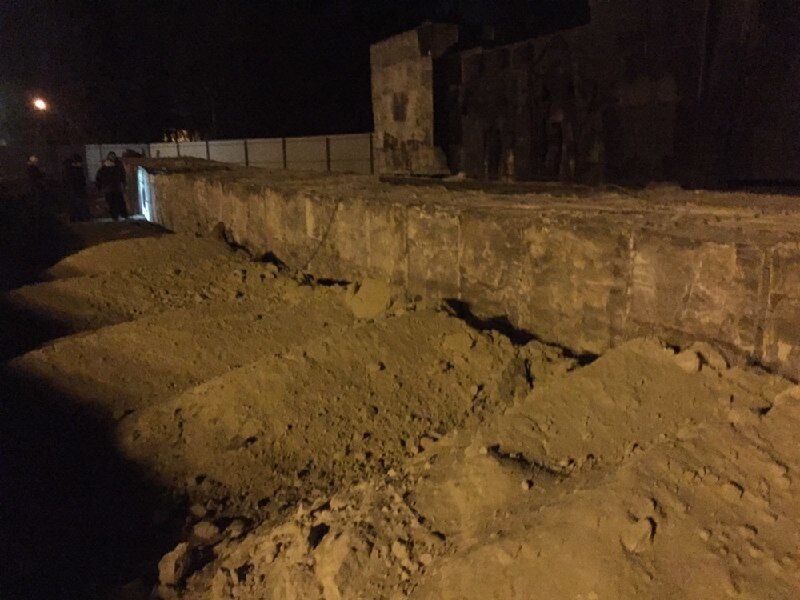 Во Львове снесли 30-метровую стелу Монумента славы