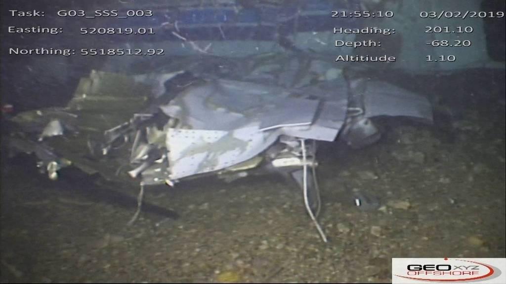 Обломки самолета с Салой