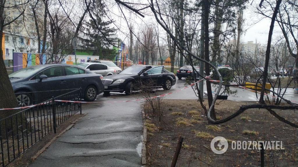 В Киеве посреди улицы произошла стрельба: погиб водитель элитного авто