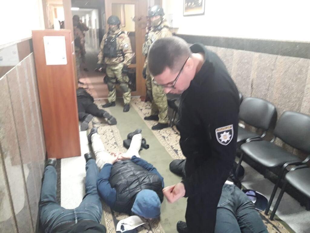 """Напад """"тітушок"""" на Облавтодор"""