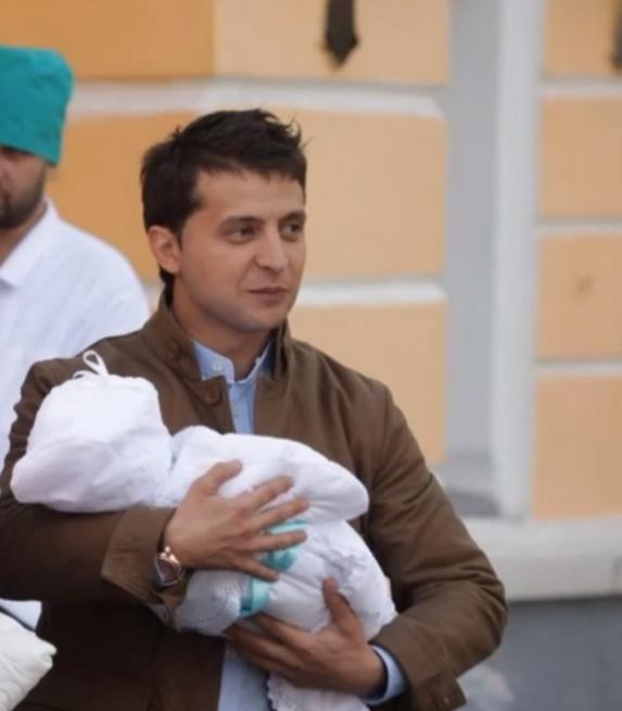 Зеленский с сыном Кириллом на руках