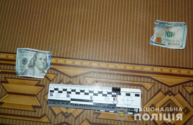 Выносите деньги: в Киеве аферист напал на жертву мошенничества
