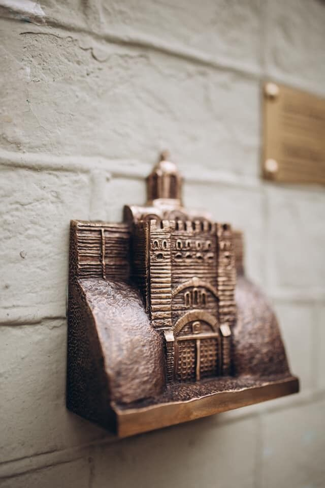 У Києві встановили незвичайний міні-пам'ятник