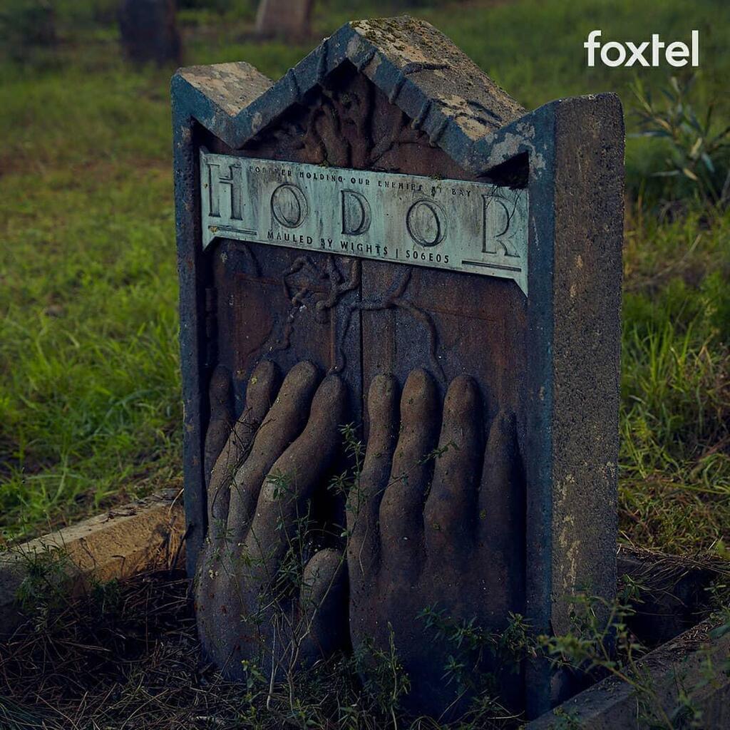Могилы и семейные склепы: в Австралии появилось кладбище героев ''Игры престолов''