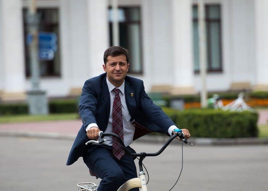 """Результат пошуку зображень за запитом """"Зеленський Велосипед"""""""