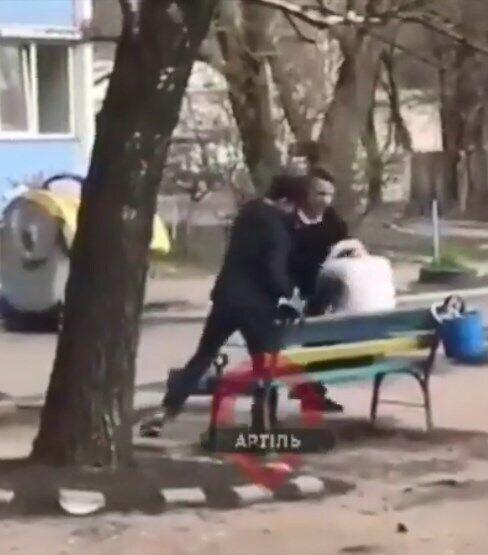 В Киеве жестоко избили подростка