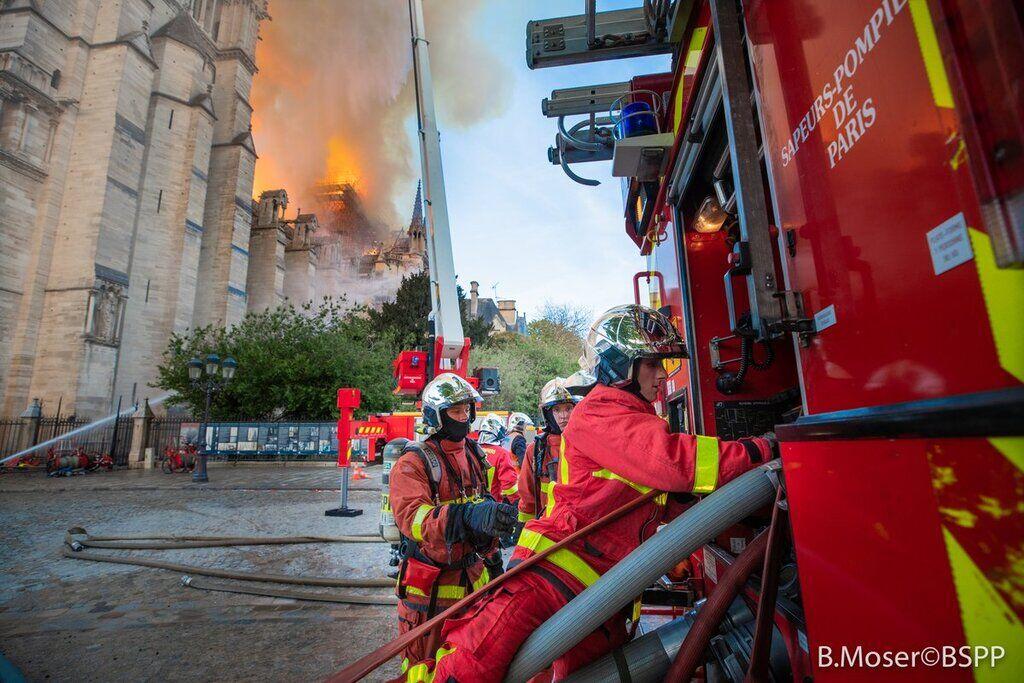 Пожежа в Нотр-Дамі