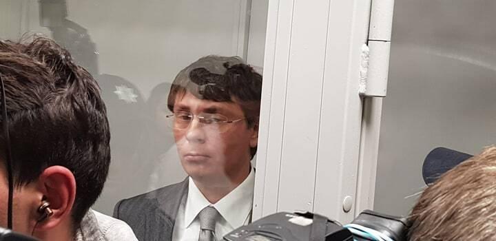 Крючкова взяли під варту в залі суду: подробиці