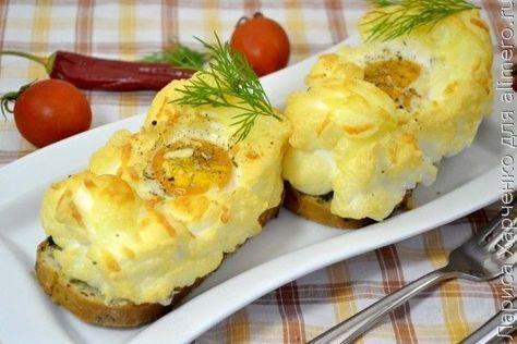 Омлет на хлібі