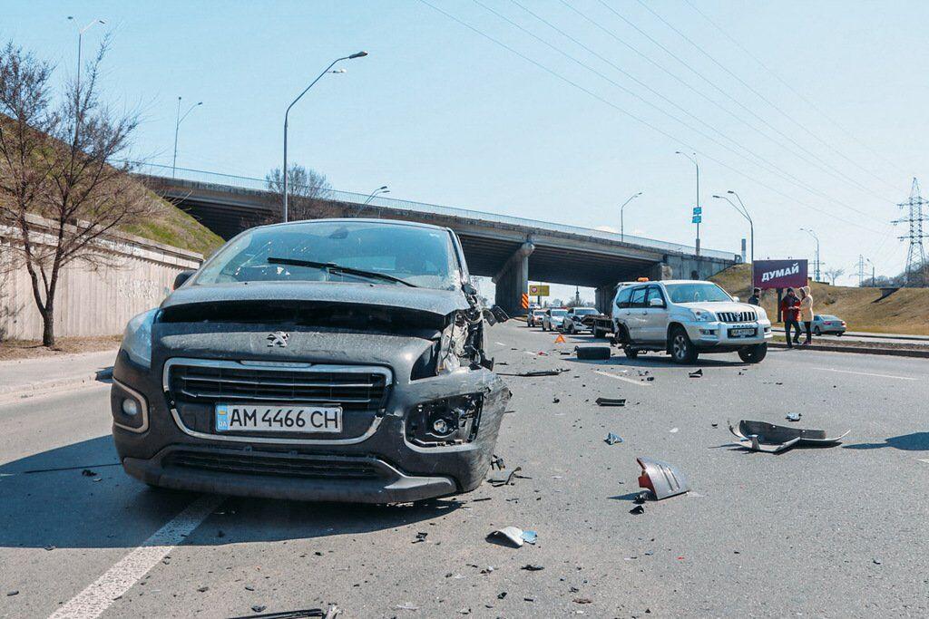 ДТП в Киеве с 4 авто