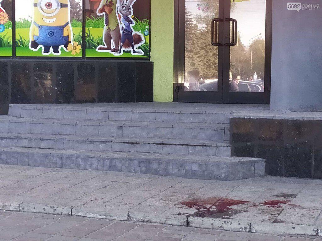 В Каменском расстреляли авто активиста: пострадали прохожие