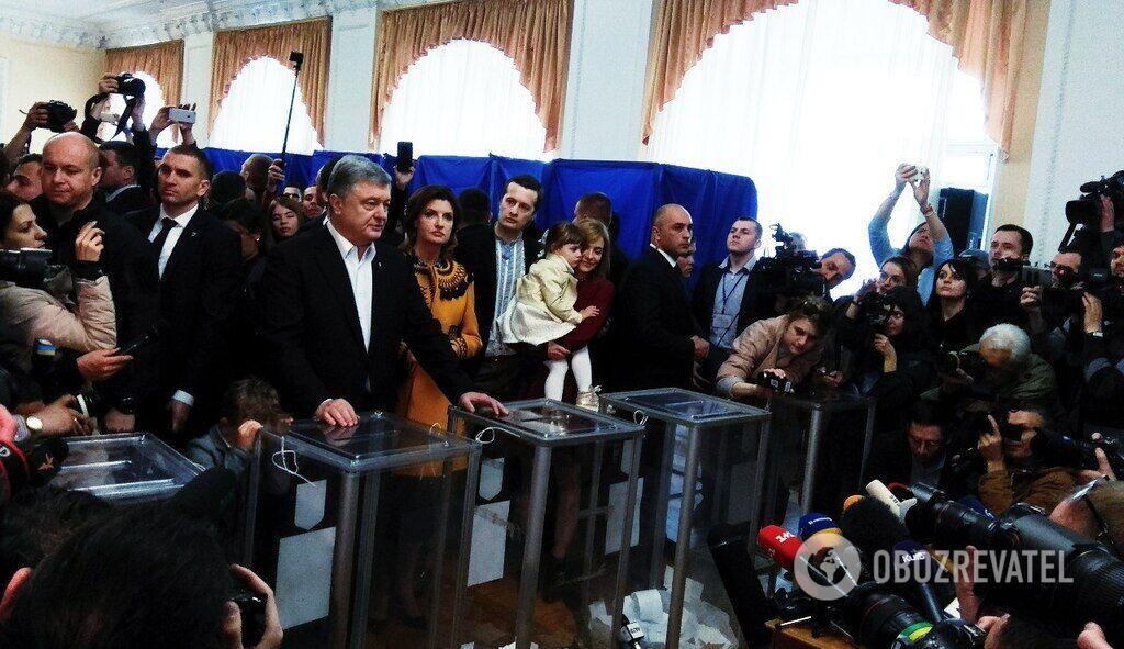 Порошенко проголосовал на выборах президента